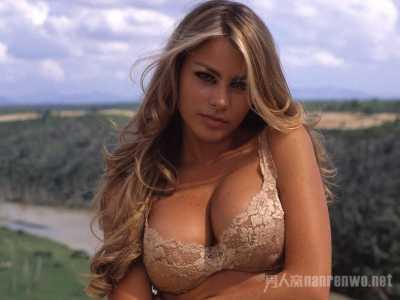 全球排行前十名大胸美女图片 世界上漏的女人图片