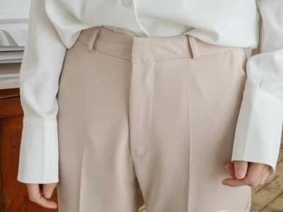 米色裤子配什幺颜色上衣 米色上衣配什幺颜色