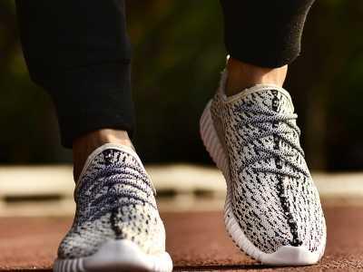 跑步鞋哪个牌子好 沃步