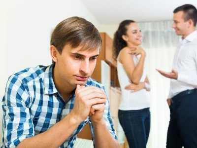 中年女人在婚姻外找人 男人经常在外面找女人