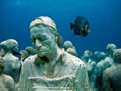 男子去海里探险时发现了非常吓人的一幕 海里有哪些未解之谜