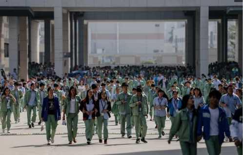 探访深圳厂妹群体 睡了很多深圳的厂妹
