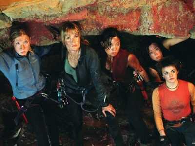 未知世界的紧张惊悚 洞穴恐怖片