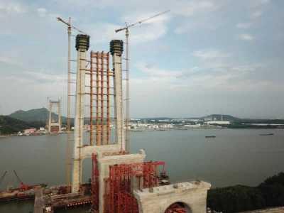 世界首座高速铁路悬索桥最高塔封顶 世界最高的吊桥